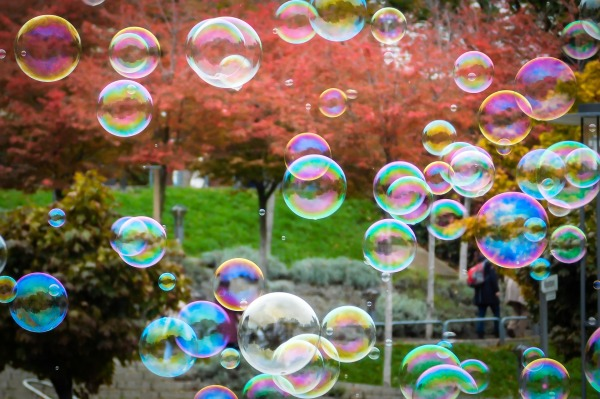 soap-bubbles-1021662_1920.jpg